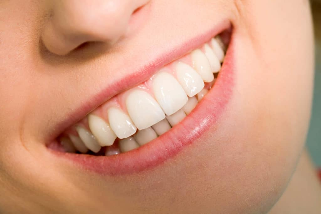 Tips and Benefits of Healthy Gums Featured Image - Bowen Family Dentistry
